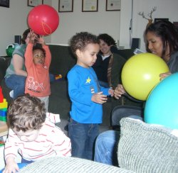 Toddlers love balloons